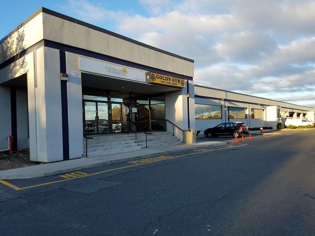 Golds Gym - gym    Photo 2 of 10   Address: 100 Hollister Rd, Teterboro, NJ 07608, USA   Phone: (201) 288-6000