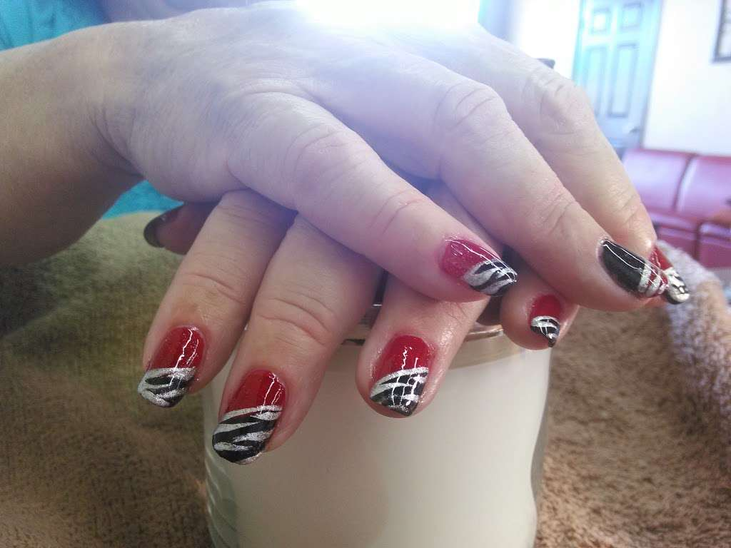 Pedi Lounge Nail Salon & Spa - hair care  | Photo 4 of 10 | Address: 1827 N Madison Ave Suite B, Anderson, IN 46011, USA | Phone: (765) 393-0015