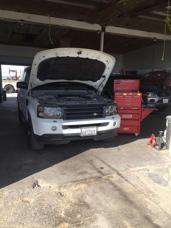 Robles Auto Repair - car repair  | Photo 2 of 6 | Address: 25058 Main St, Barstow, CA 92311, USA | Phone: (760) 577-5066