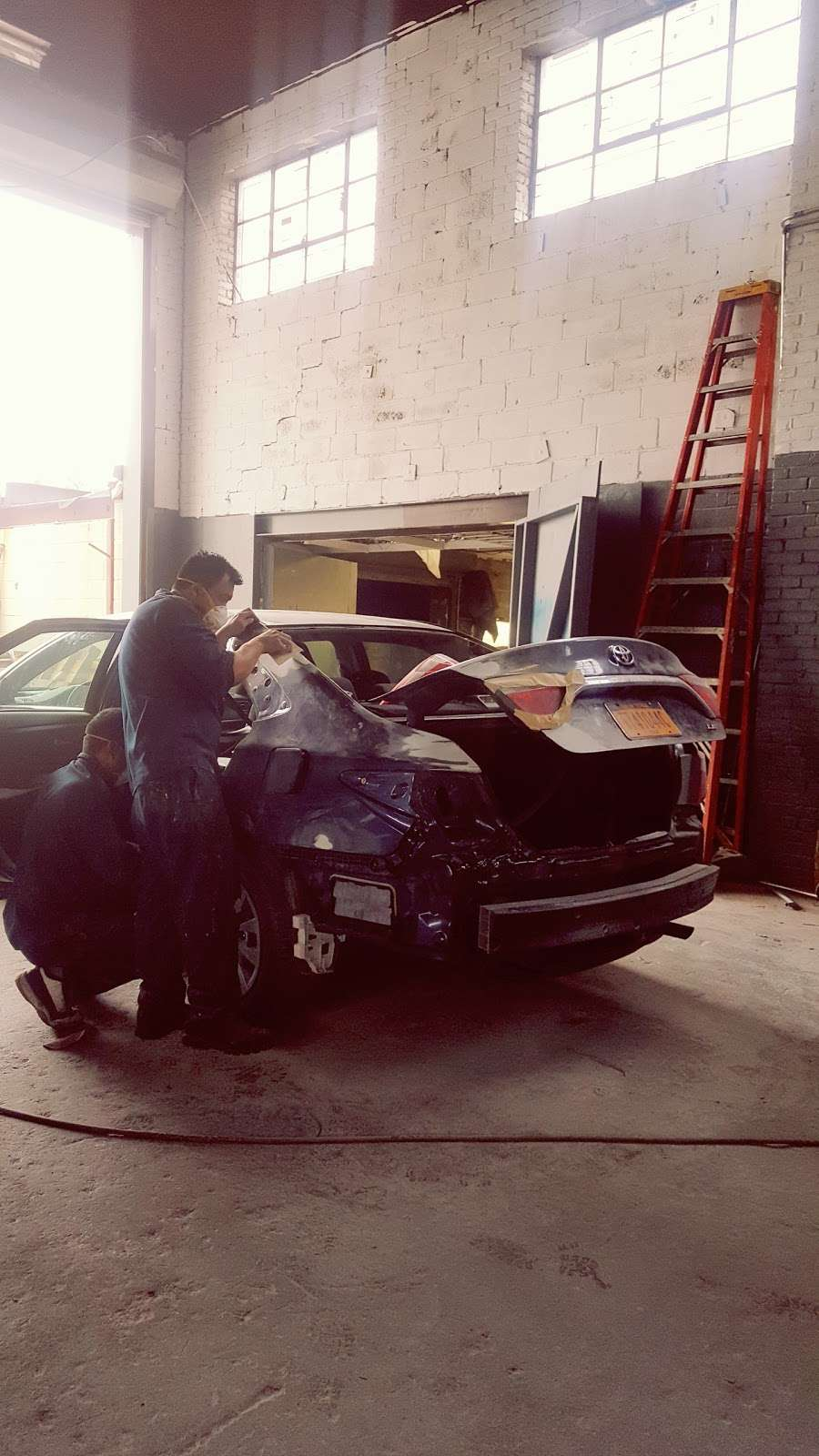 Jose Ordonez Auto Repair and Body Shop - car repair  | Photo 6 of 10 | Address: 88-43 76th Ave, Glendale, NY 11385, USA | Phone: (718) 896-0900