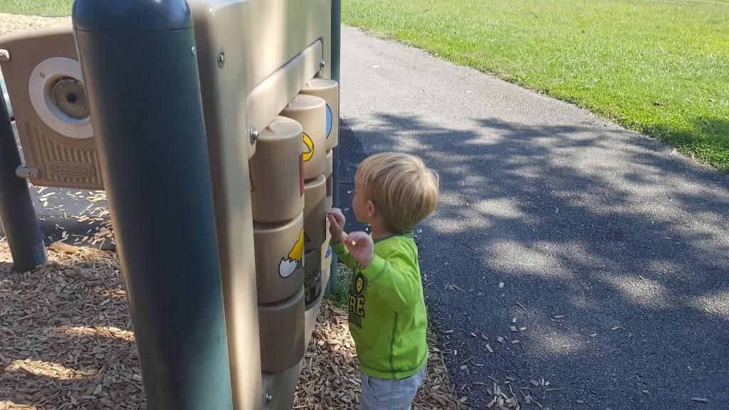 Highview Park - park  | Photo 9 of 10 | Address: 7201 Outer Loop, Louisville, KY 40228, USA | Phone: (502) 601-2318