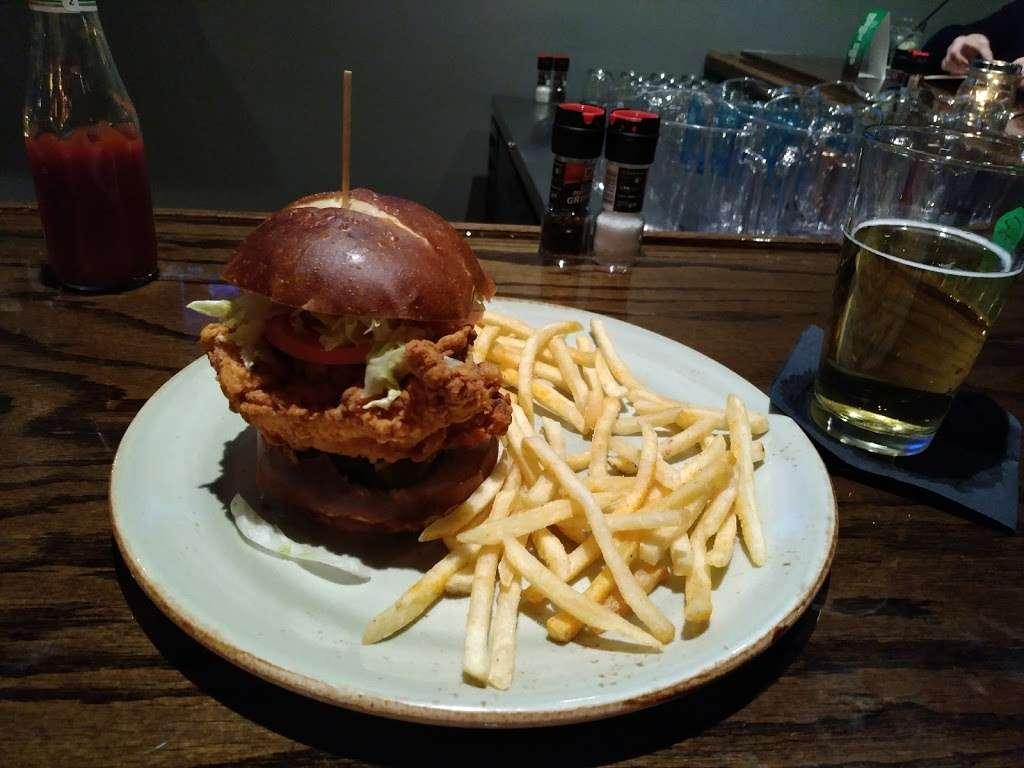 Paladin Bar & Grill - restaurant  | Photo 8 of 9 | Address: 181-A Warrior Dr, Stephens City, VA 22655, USA | Phone: (540) 868-8327