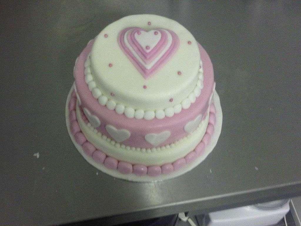 Mrs Cs - bakery  | Photo 8 of 10 | Address: 158 Hollybush Ln, Welwyn Garden City AL7 4JU, UK | Phone: 01707 330097