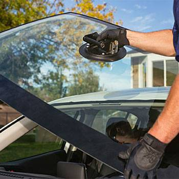 Glass America - car repair  | Photo 3 of 6 | Address: 9816 Us Highway 301 N, Tampa, FL 33637, USA | Phone: (813) 534-0935