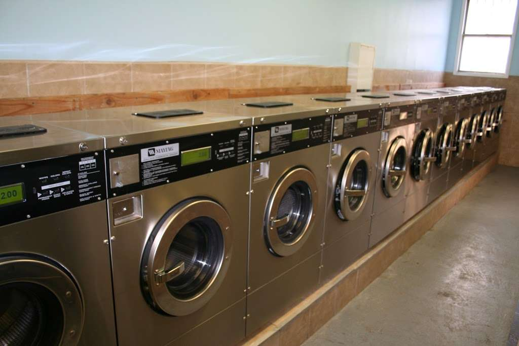 Senor Bubbles Laundromat & Dry Cleaner - laundry  | Photo 7 of 10 | Address: 456 Baldwin Ave, Jersey City, NJ 07306, USA | Phone: (201) 656-3471