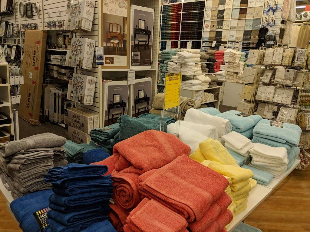 Bed Bath & Beyond - department store  | Photo 8 of 10 | Address: 558 N Frederick Ave, Gaithersburg, MD 20877, USA | Phone: (301) 548-9880