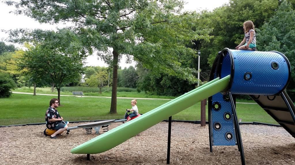 Carpenter - Ridgeway Park - park    Photo 8 of 9   Address: 1220 Carpenter St, Madison, WI 53704, USA   Phone: (608) 266-4711