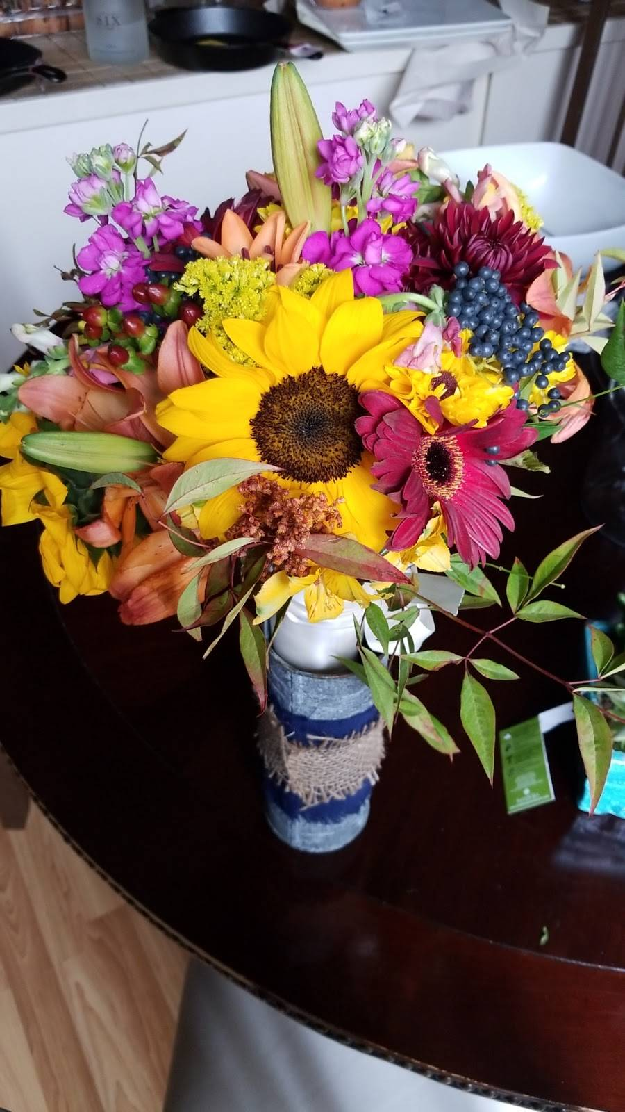 Hummingbird Floral & Gifts - florist  | Photo 9 of 9 | Address: 4001 Rice St, Shoreview, MN 55126, USA | Phone: (651) 486-0403