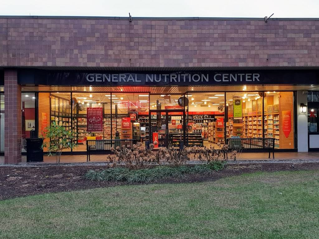 GNC - health  | Photo 2 of 3 | Address: 700 Plaza Dr, NJHighway/Route 3, Secaucus, NJ 07094, USA | Phone: (201) 348-9549