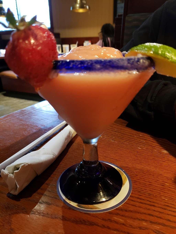 Red Lobster - restaurant  | Photo 6 of 10 | Address: 4717 I-10, Baytown, TX 77521, USA | Phone: (281) 421-5656