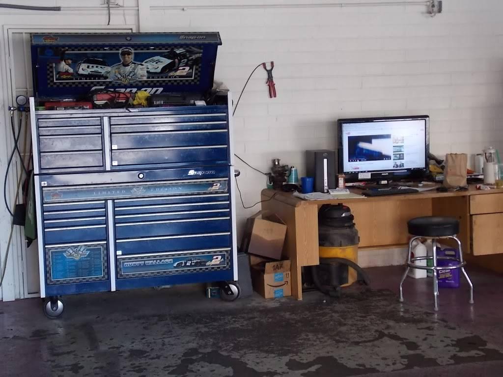 U-SAVE AUTO REPAIR - car repair  | Photo 7 of 9 | Address: 7740 W Indian School Rd building #2, Phoenix, AZ 85033, USA | Phone: (623) 873-7768