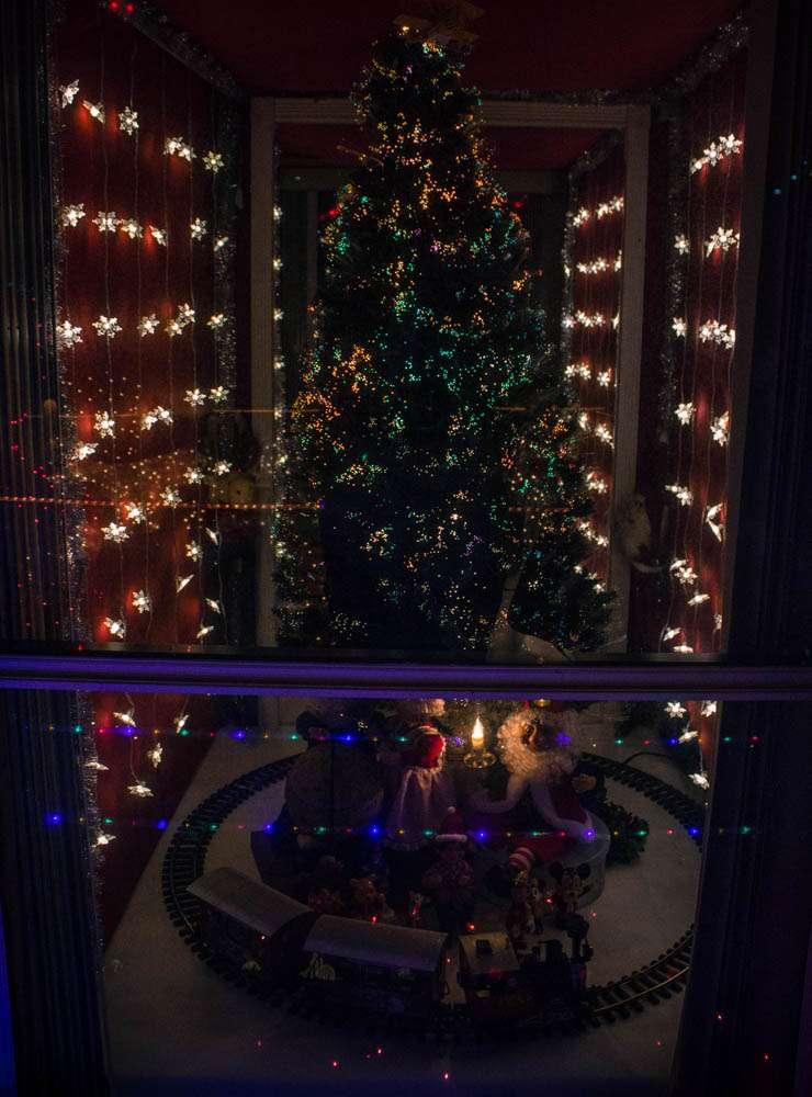 Rob and Bettys Christmas Light Display - lodging  | Photo 2 of 10 | Address: 5651 Garden Grove Cir, Winter Park, FL 32792, USA