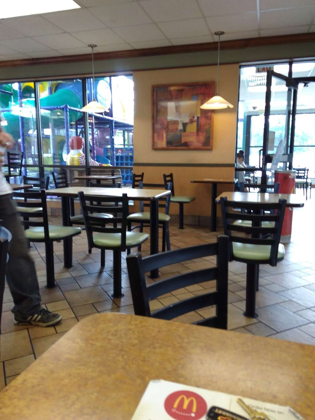 McDonalds - cafe  | Photo 4 of 10 | Address: 3021 Southeastern Ave, Indianapolis, IN 46203, USA | Phone: (317) 631-3484