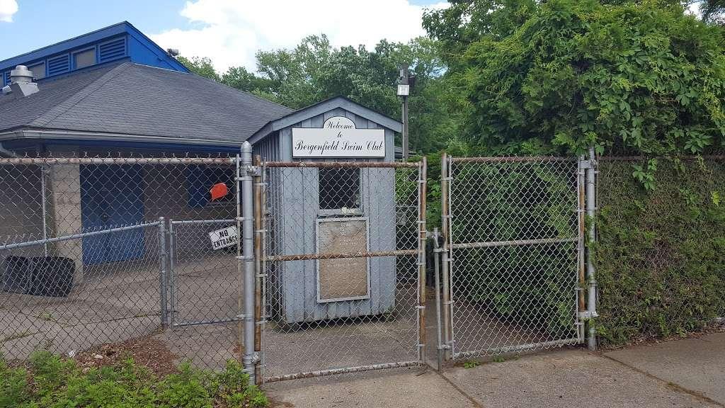 Vivyen Field - park    Photo 4 of 10   Address: 299 N Vivyen St, Bergenfield, NJ 07621, USA