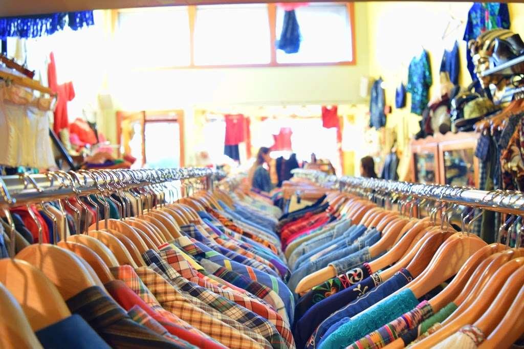 Empress Vintage - clothing store    Photo 7 of 10   Address: 1757 Alcatraz Ave, Berkeley, CA 94703, USA   Phone: (510) 542-6196