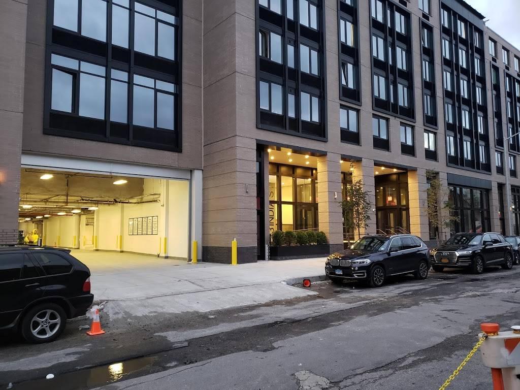 MPG Parking - parking    Photo 8 of 8   Address: 21 India St, Brooklyn, NY 11222, USA   Phone: (347) 916-1270