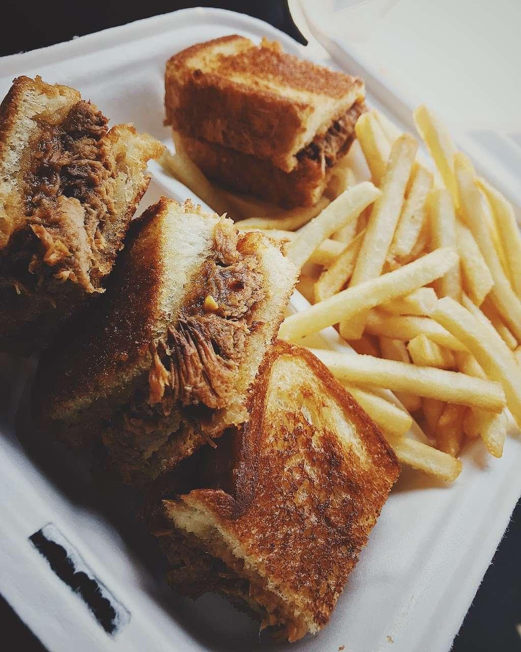 Mordi's Sandwich Shop - restaurant    Photo 4 of 10   Address: 320 Communipaw Ave, Jersey City, NJ 07304, USA   Phone: (551) 697-4805