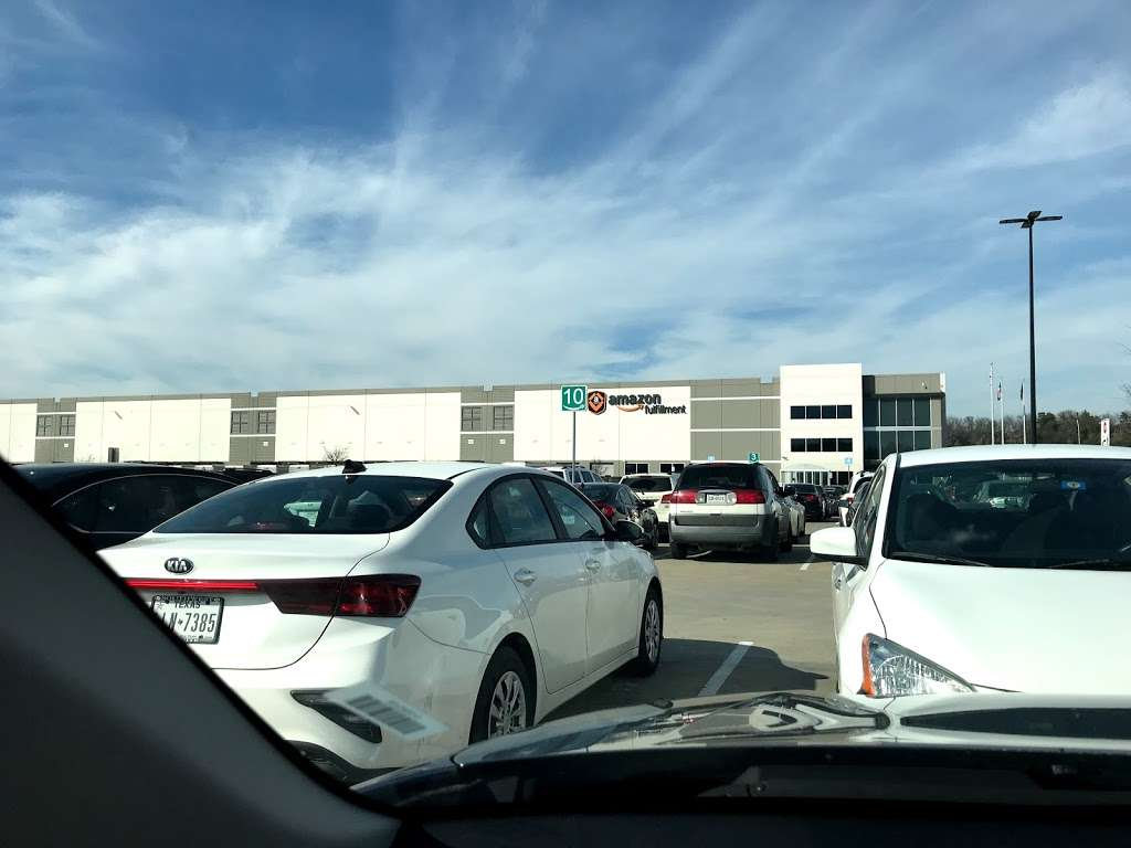 Amazon Fulfillment Center FTW1 - storage  | Photo 5 of 10 | Address: 33333 Lyndon B Johnson Fwy, Dallas, TX 75241, USA | Phone: (866) 531-2476