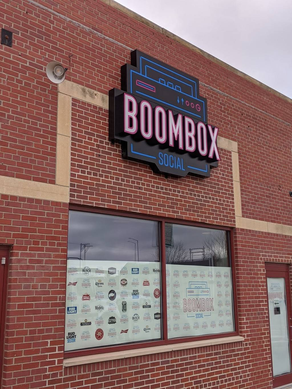 Boombox Social - meal takeaway    Photo 1 of 6   Address: 1630 P St, Lincoln, NE 68508, USA   Phone: (531) 500-3077