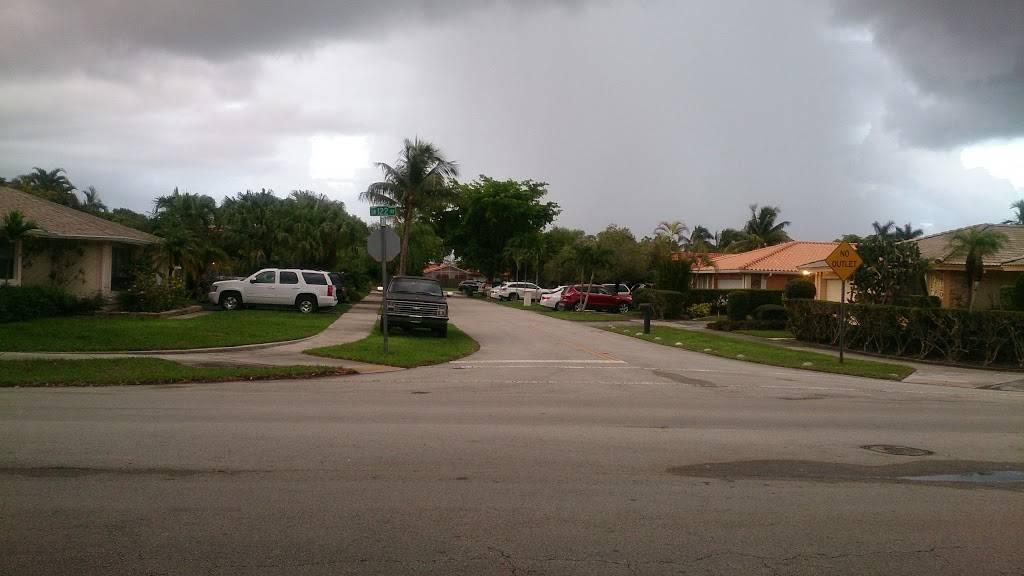 Devon Aire Park - park    Photo 3 of 8   Address: 10411 SW 122nd Ave, Miami, FL 33186, USA   Phone: (305) 270-4951