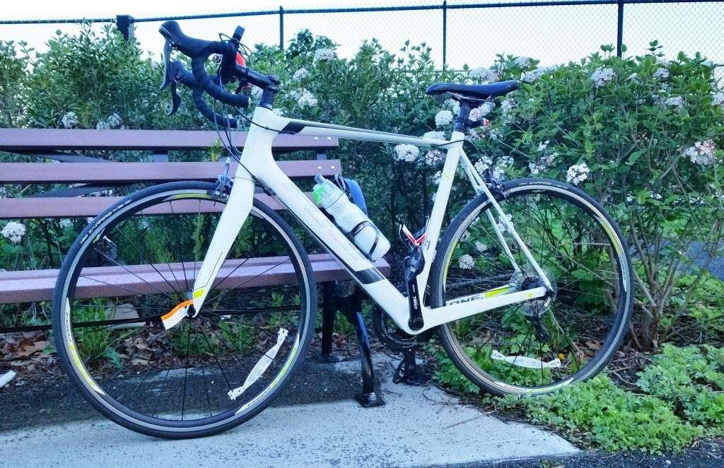 Jerome Park - park  | Photo 6 of 10 | Address: Goulden Ave, Bronx, NY 10463, USA | Phone: (212) 639-9675