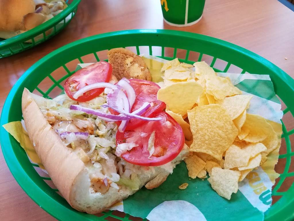 Subway - meal takeaway  | Photo 3 of 10 | Address: 5816 4th St, Lubbock, TX 79416, USA | Phone: (806) 791-0991