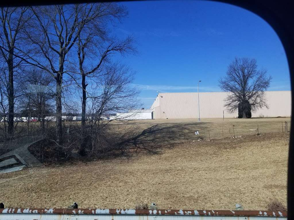 Quad Graphics WV Annex - storage  | Photo 8 of 10 | Address: 891 Auto Parts Pl, Martinsburg, WV 25403, USA | Phone: (304) 260-7600