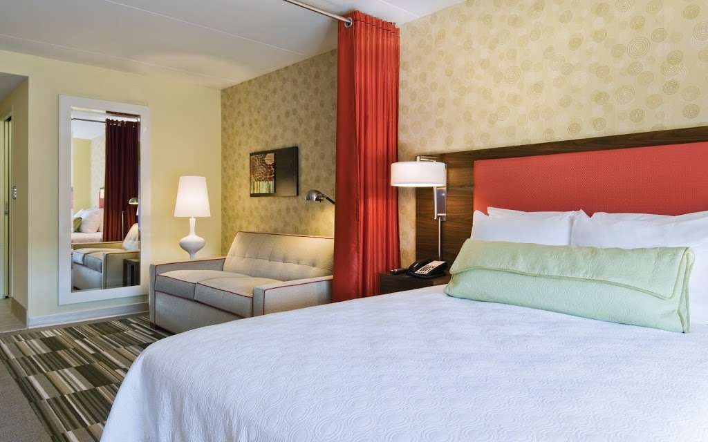 Home2 Suites by Hilton Baytown - lodging  | Photo 10 of 10 | Address: 7512 Garth Rd, Baytown, TX 77521, USA | Phone: (832) 926-7350