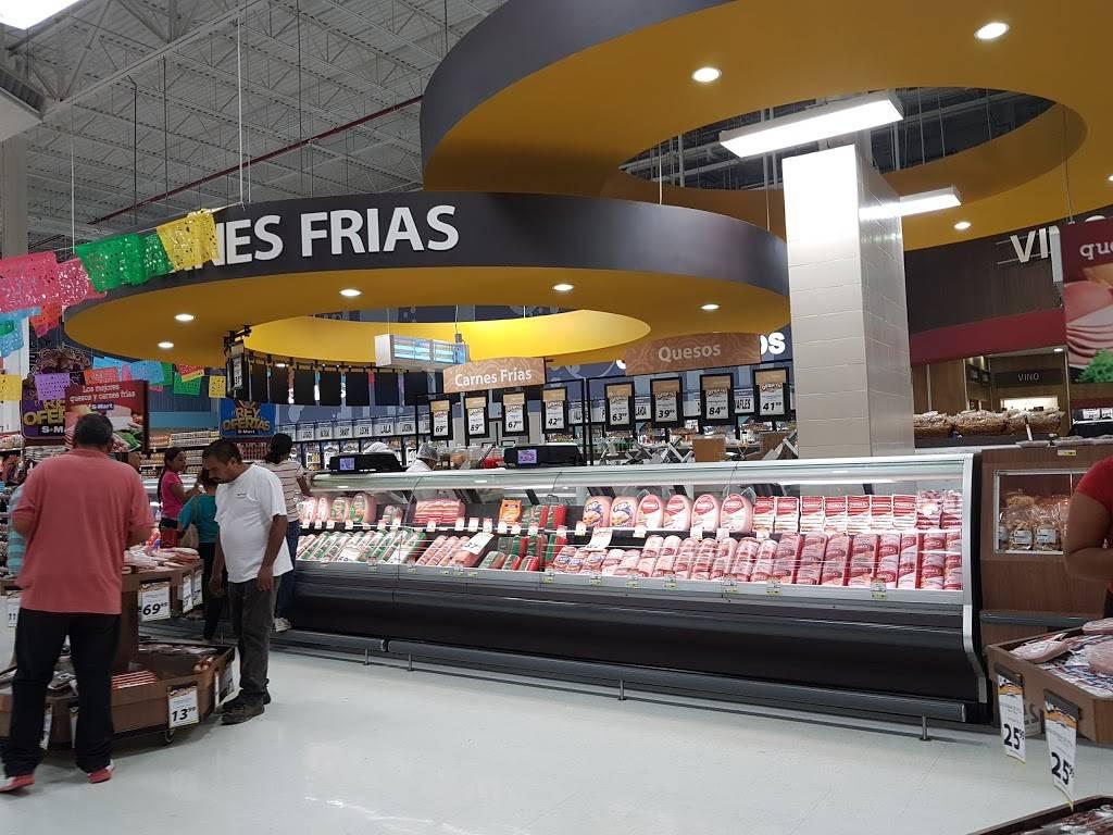 S-Mart - supermarket    Photo 2 of 10   Address: Av Santiago Troncoso # 1701, Parajes de Oriente, 32575 Cd Juárez, Chih., Mexico   Phone: 656 701 6260