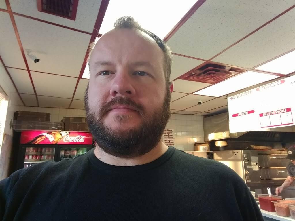 Bulls Eye Pizza - restaurant  | Photo 6 of 8 | Address: 979 Front Rd, Windsor, ON N9J 2A5, Canada | Phone: (519) 734-1221