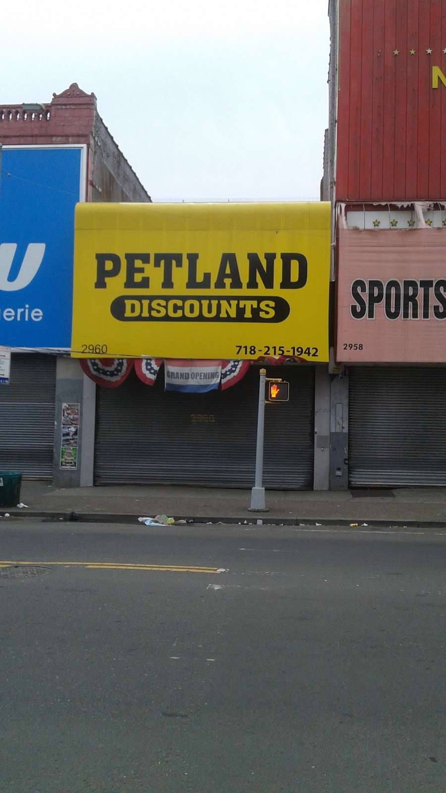 Petland Discounts - THIRD AVENUE - pet store  | Photo 1 of 1 | Address: 2960 Third Ave, Bronx, NY 10455, USA | Phone: (718) 215-1942