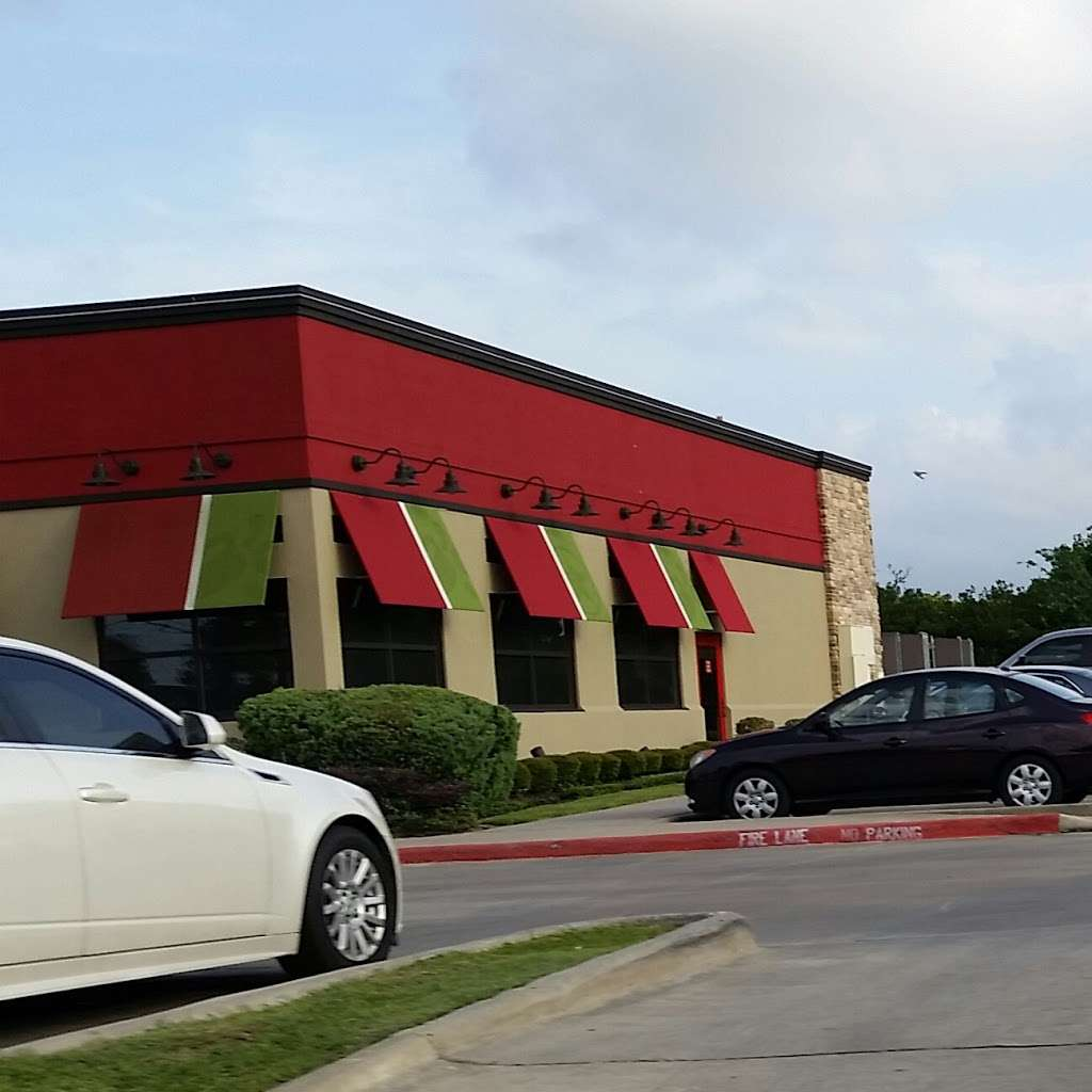 Chilis Grill & Bar - meal takeaway  | Photo 3 of 10 | Address: 8690 Spencer Hwy, La Porte, TX 77571, USA | Phone: (281) 478-4777