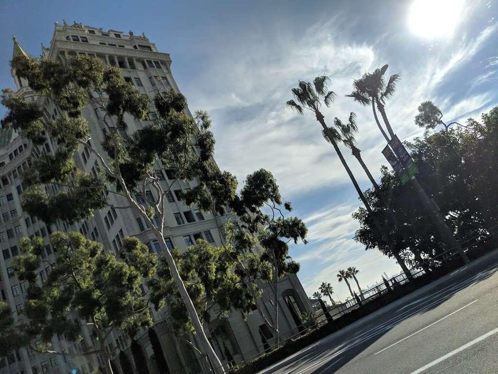 380 E Shoreline Dr Parking - parking  | Photo 6 of 10 | Address: 380E E Shoreline Dr, Long Beach, CA 90802, USA