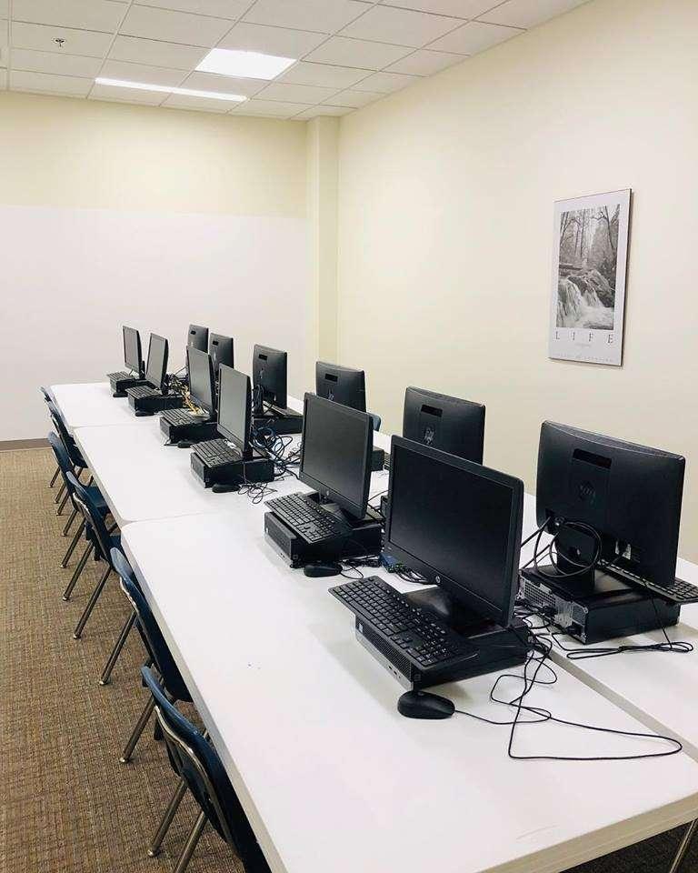 Fairfax Christian School - school  | Photo 4 of 10 | Address: 22870 Pacific Blvd, Sterling, VA 20166, USA | Phone: (703) 759-5100