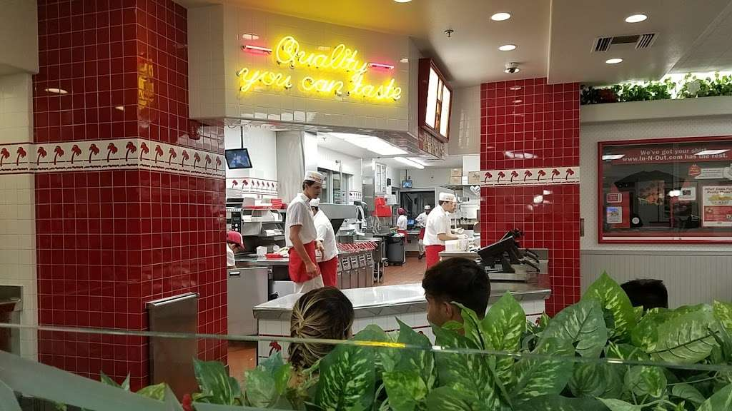 In-N-Out Burger - restaurant  | Photo 3 of 10 | Address: 1342 S Alma School Rd, Mesa, AZ 85210, USA | Phone: (800) 786-1000