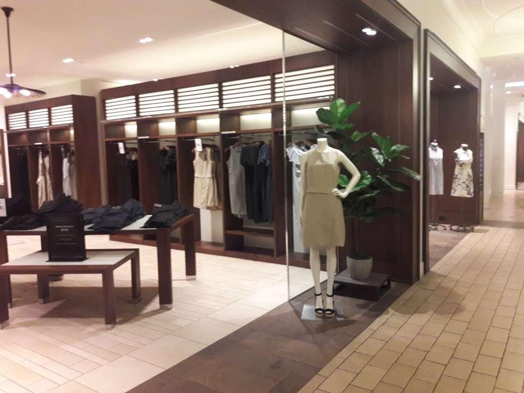 Banana Republic - clothing store    Photo 10 of 10   Address: 1 Garden State Plaza Blvd, Paramus, NJ 07652, USA   Phone: (201) 291-0955
