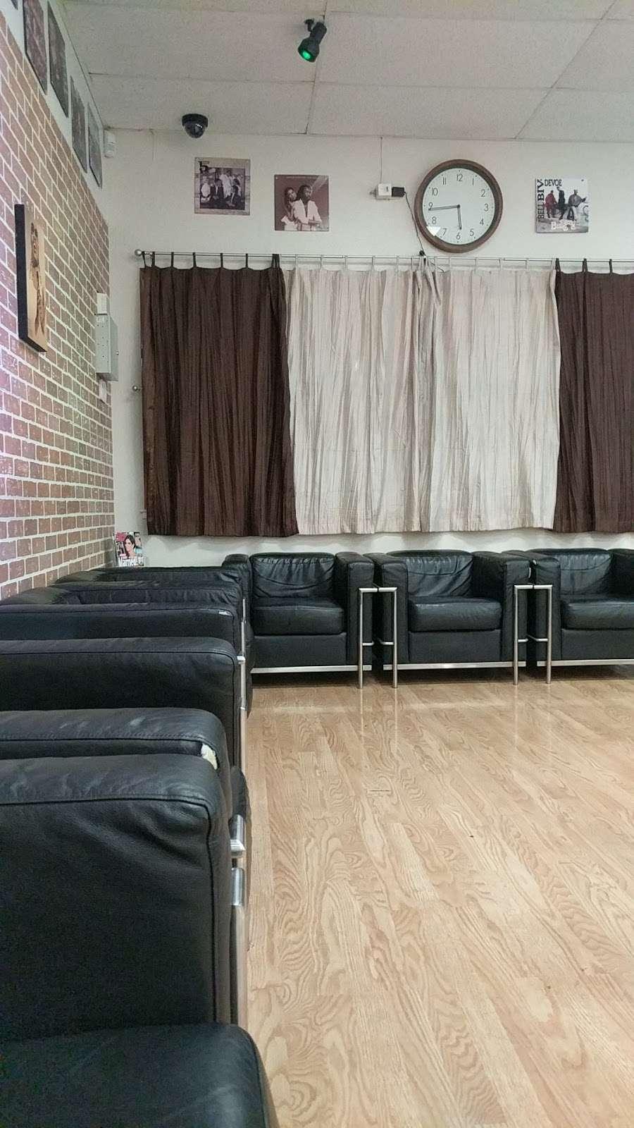 Nostalgic Soul Barber Studio, 15 San Pablo Ave, Pinole, CA 15, USA