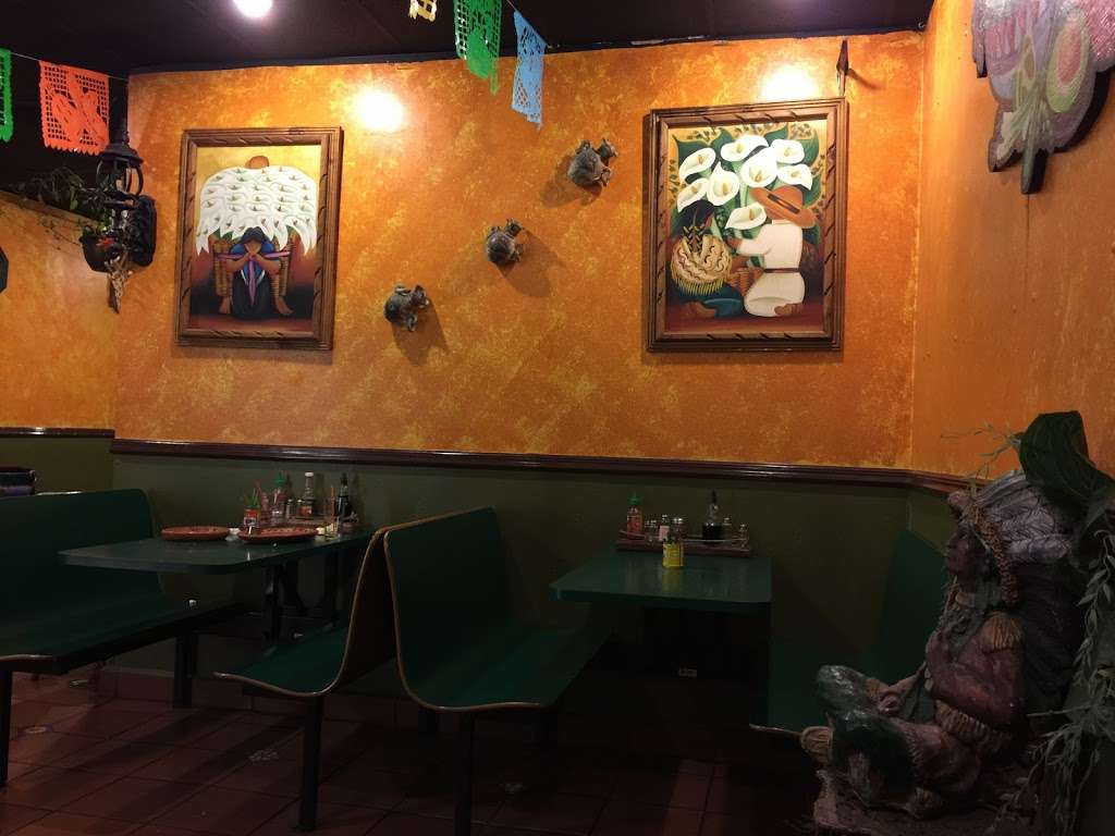 Leonor's Mexican Vegetarian Restaurant - restaurant  | Photo 1 of 10 | Address: 12445 Moorpark St C, Studio City, CA 91604, USA | Phone: (818) 762-0660