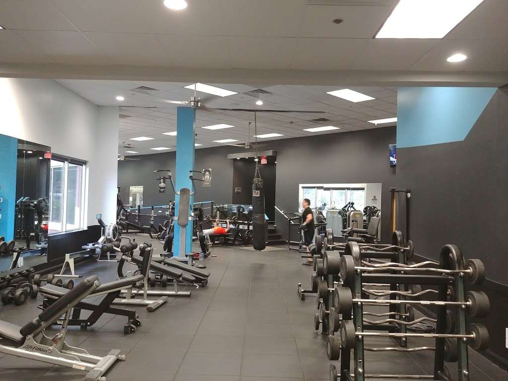 Fitness Factory Health Club - gym  | Photo 3 of 10 | Address: 521 River Rd, Edgewater, NJ 07020, USA | Phone: (201) 945-0900