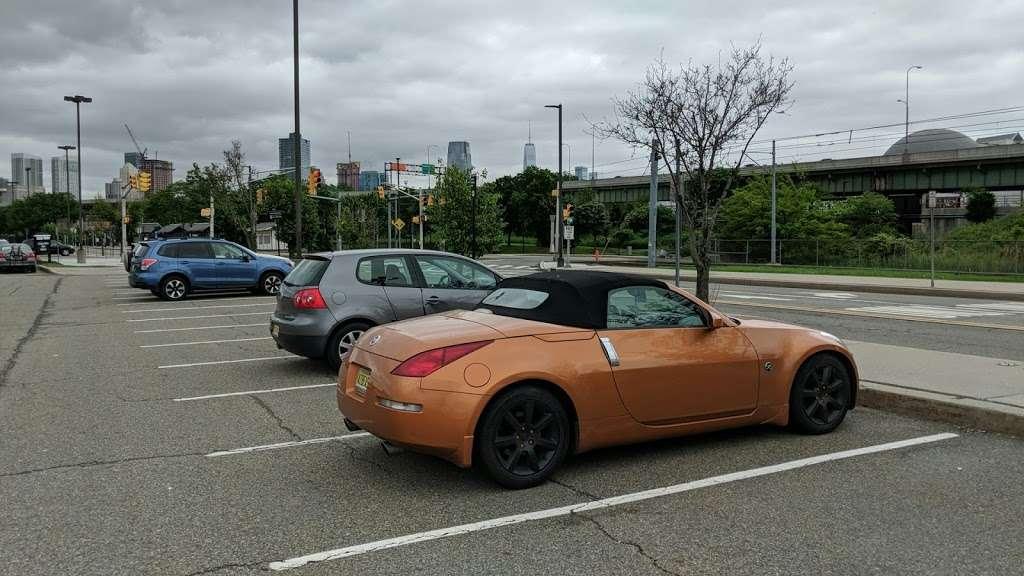 County Rd 612 Parking - parking  | Photo 1 of 5 | Address: County Rd 612, Jersey City, NJ 07302, USA
