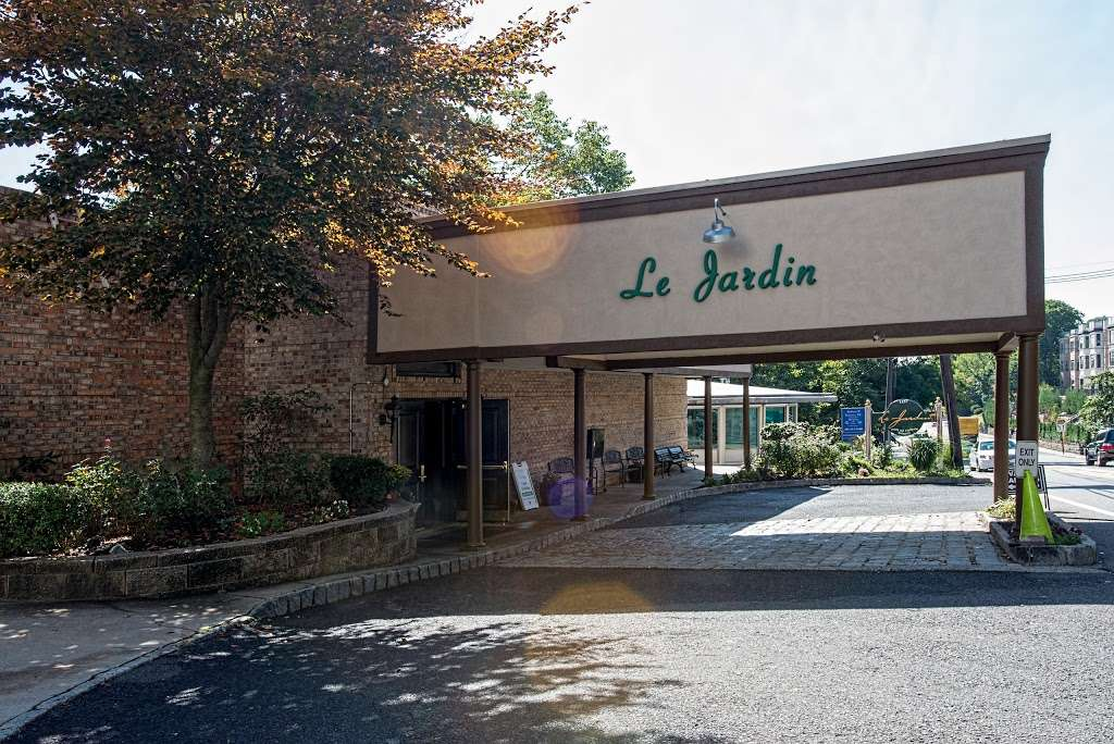 Le Jardin - restaurant  | Photo 3 of 10 | Address: 1257 River Rd, Edgewater, NJ 07020, USA | Phone: (201) 224-9898