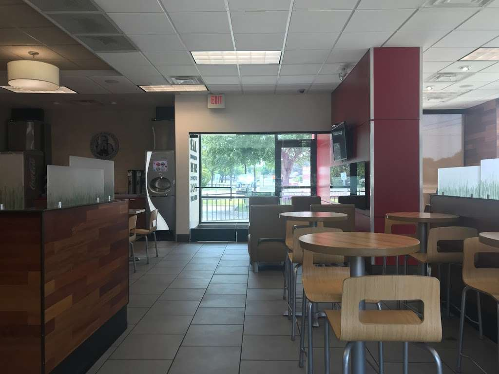 Wendys - restaurant  | Photo 10 of 10 | Address: 3232 Lavon Dr, Garland, TX 75040, USA | Phone: (972) 805-4463