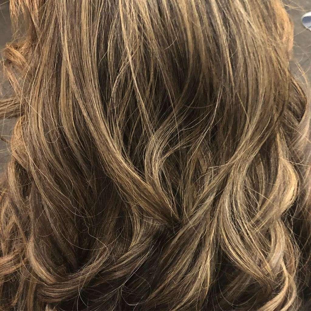 Unique Hair Boutique - hair care    Photo 10 of 10   Address: 7442 W Grand Ave, Elmwood Park, IL 60707, USA   Phone: (708) 395-5897