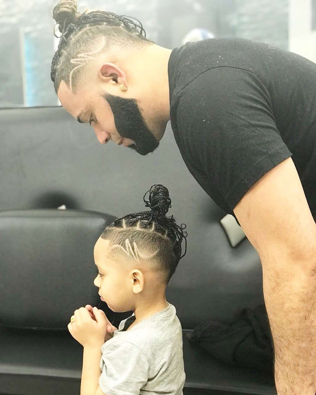 High Qualitys Barber Shop - hair care  | Photo 9 of 10 | Address: 390 E Tremont Ave, Bronx, NY 10457, USA | Phone: (347) 990-7997