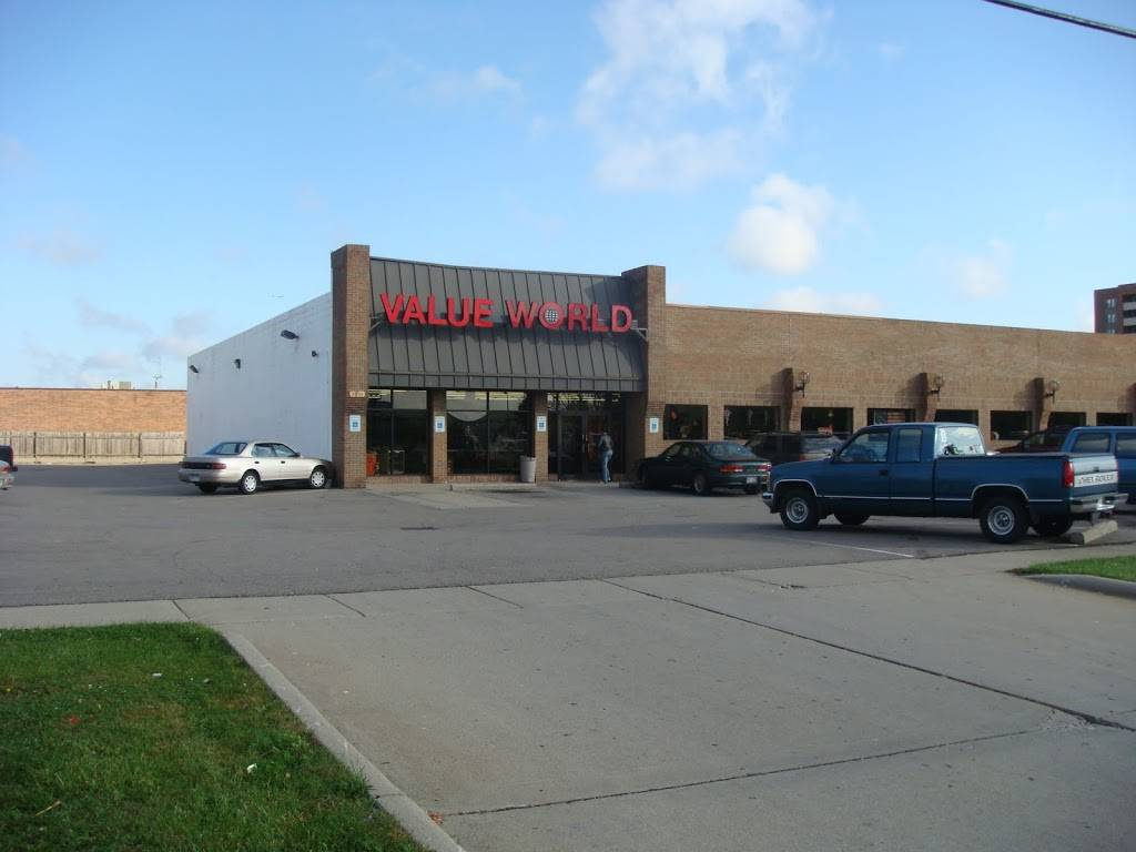 Value World - clothing store  | Photo 1 of 7 | Address: 2001 E Eleven Mile Rd, Warren, MI 48092, USA | Phone: (734) 728-4610