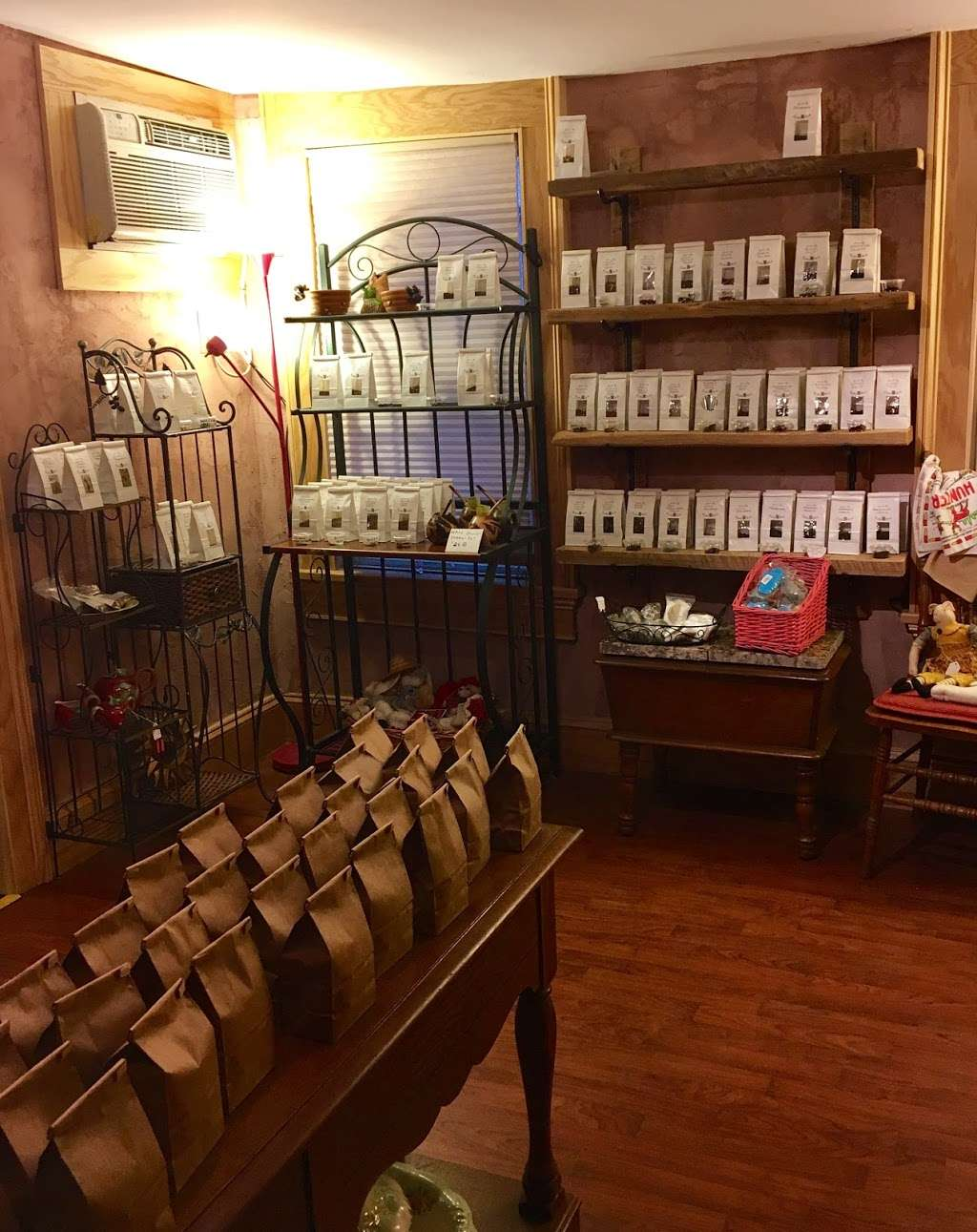 Down The Rabbit Hole - store  | Photo 1 of 4 | Address: 108 Broadway, Jim Thorpe, PA 18229, USA | Phone: (484) 767-3703