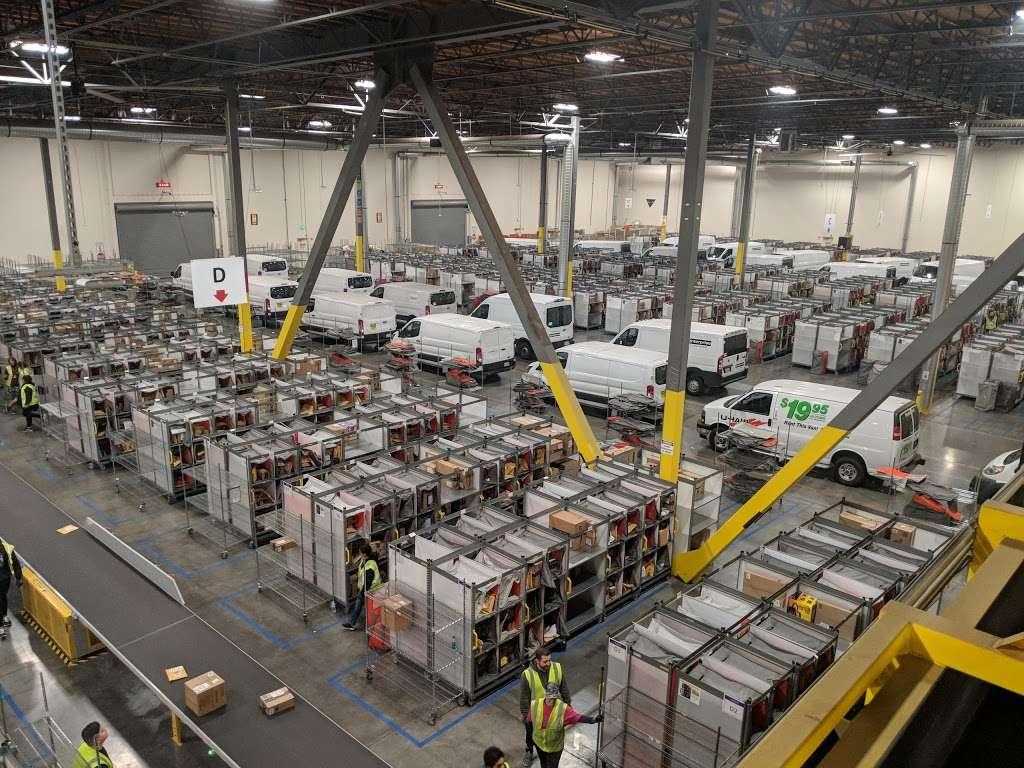 Amazon Delivery Station - Chino (DLA7) - storage  | Photo 3 of 4 | Address: 15940 Euclid Ave, Chino, CA 91708, USA | Phone: 800-372-8066