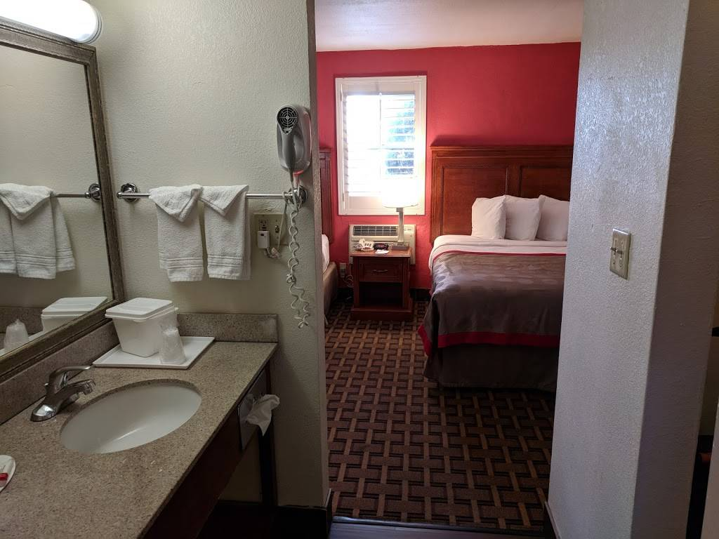 Ramada by Wyndham Tempe Near ASU - lodging  | Photo 2 of 6 | Address: 1635 N Scottsdale Rd, Tempe, AZ 85281, USA | Phone: (480) 947-3711