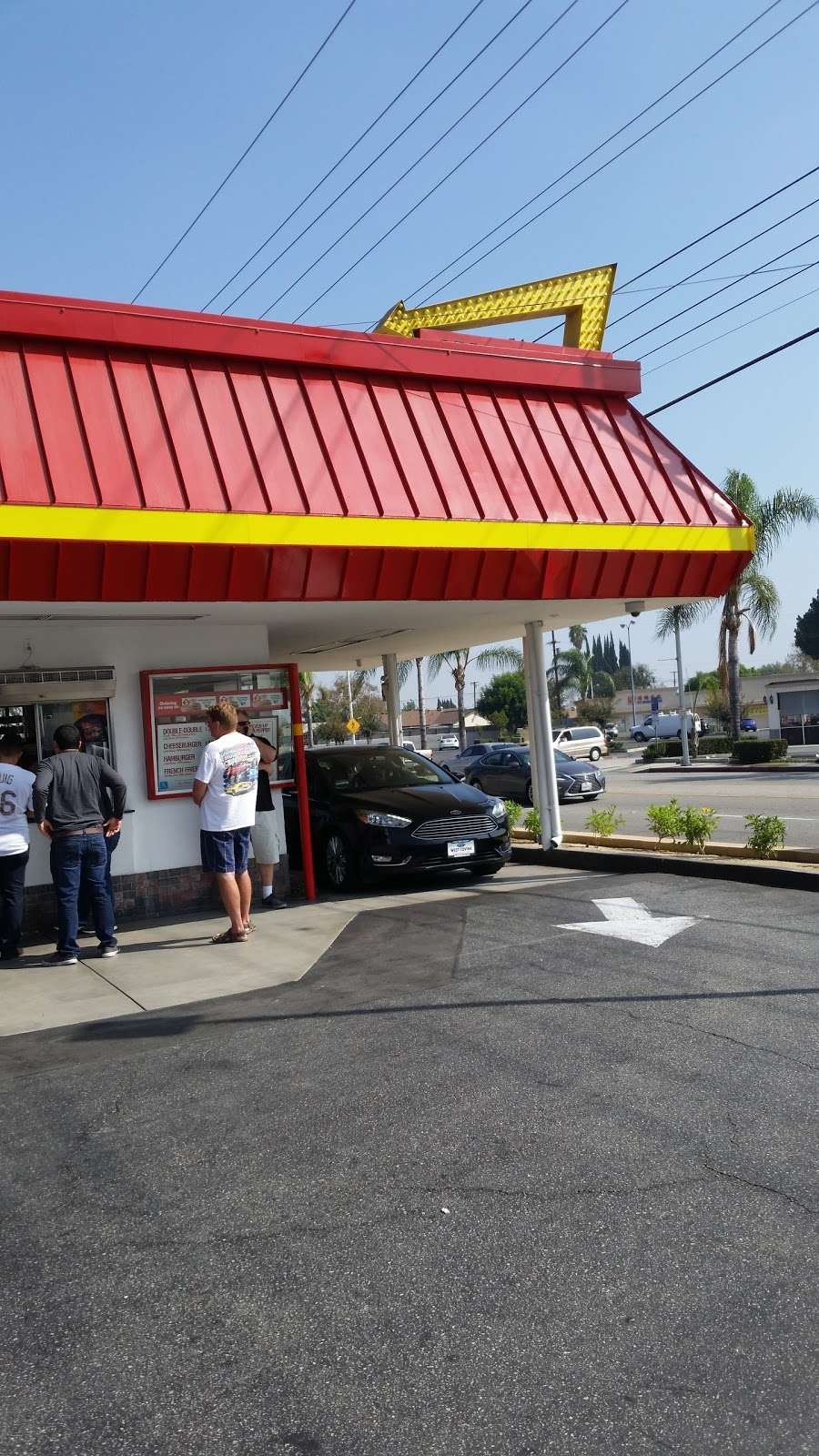 In-N-Out Burger - restaurant    Photo 2 of 10   Address: 10601 Lower Azusa Rd, Temple City, CA 91780, USA   Phone: (800) 786-1000
