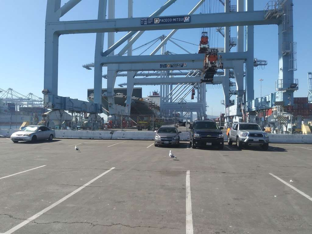 Pier J - Fishing Spot - park  | Photo 5 of 10 | Address: Long Beach, CA 90802, USA